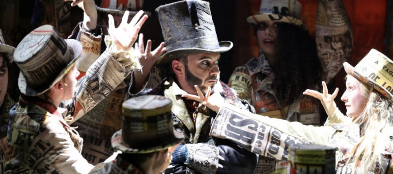 Oliver Twist places spectacle