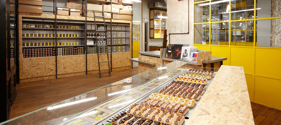 visitez l 39 eclair de g nie dans la fabrique de christophe adam paris. Black Bedroom Furniture Sets. Home Design Ideas