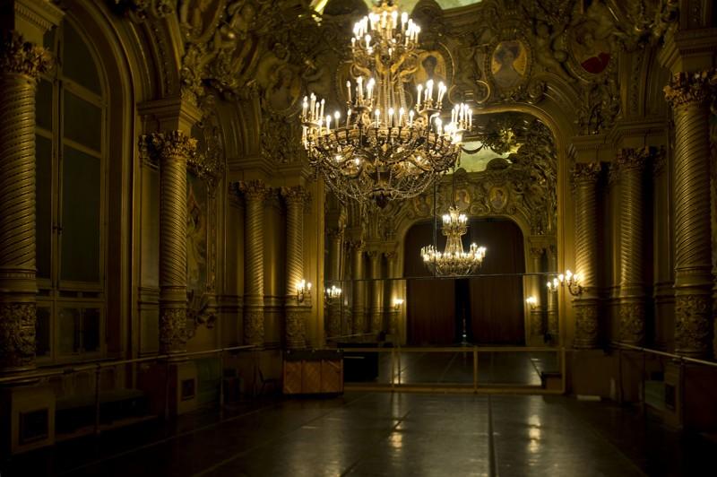 Foyer Grand Lieu Epaignes : Visitez coulisses et atelier de costumes à l opéra garnier